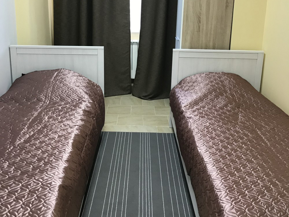 две раздельной кровати в номере